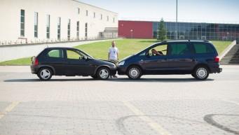 komunikacja, wypadek samochodowy, apteczka samochodowa, współpraca w grupie