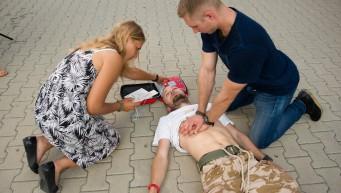 pierwsza pomoc nie oddycha, nieprzytomny, BLS+AED, reanimacja, resuscytacja