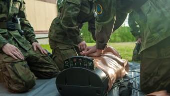oddechy ratownicze, masaż serca, fantom, resuscytacja, pierwsza pomoc zawał