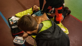 reanimacja, RKO, pierwsza pomoc nie oddycha, NZK